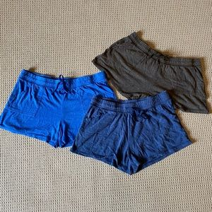 Comfy cotton athletic shorts with pockets